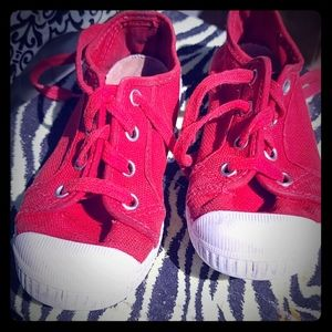 Red cienta kid shoes.
